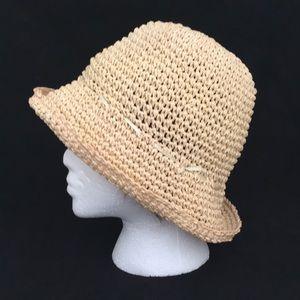 8c01a201222c5 EUC Ann Taylor Floppy Straw Hat